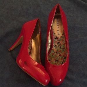 Shiny red sexy heels 5.5